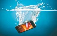 Suya Düşen Telefonu Kurtarmak İçin Yapmanız Gerekenler!